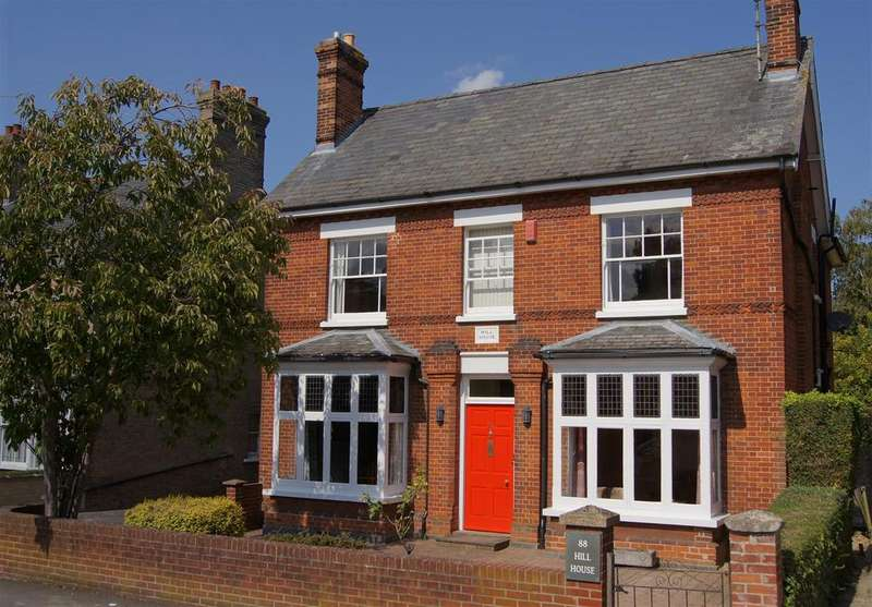 4 Bedrooms Detached House for sale in Queens Road, Bury St. Edmunds