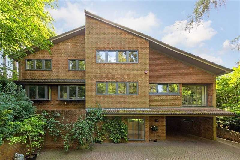 5 Bedrooms Detached House for sale in New Road, Digswell, Welwyn