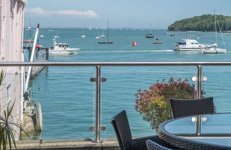 5 Bedrooms Flat for sale in Cowes, Isle Of Wight