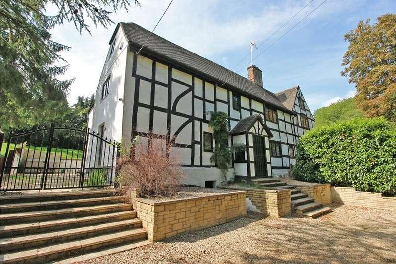 4 Bedrooms Semi Detached House for sale in Charlton Kings, Cheltenham