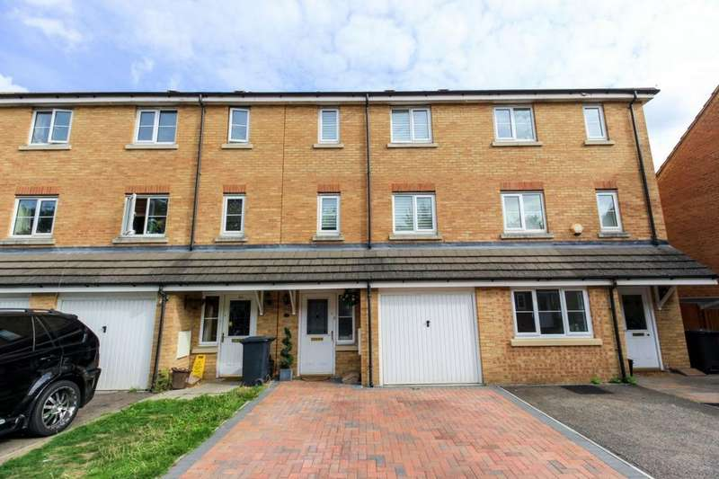 3 Bedrooms House for sale in Michigan Close, Turnford, EN10