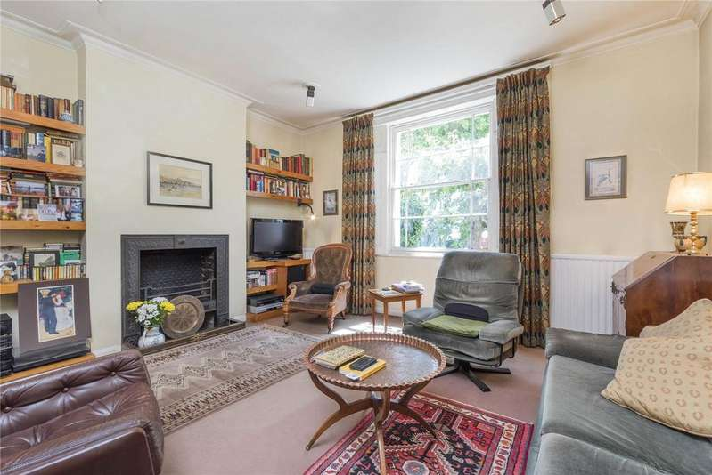 3 Bedrooms End Of Terrace House for sale in Rochester Road, London