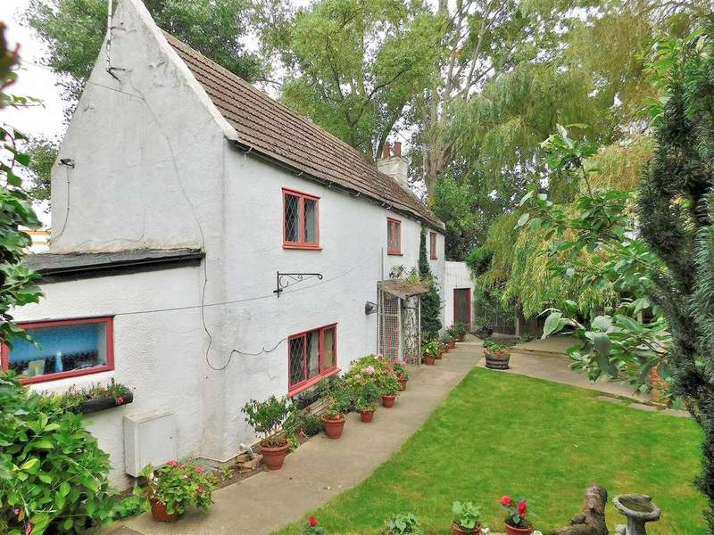 3 Bedrooms Detached House for sale in Crab Marsh, Wisbech