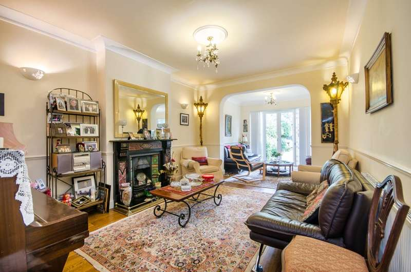 5 Bedrooms Semi Detached House for sale in Anson Road, Willesden Green, NW2