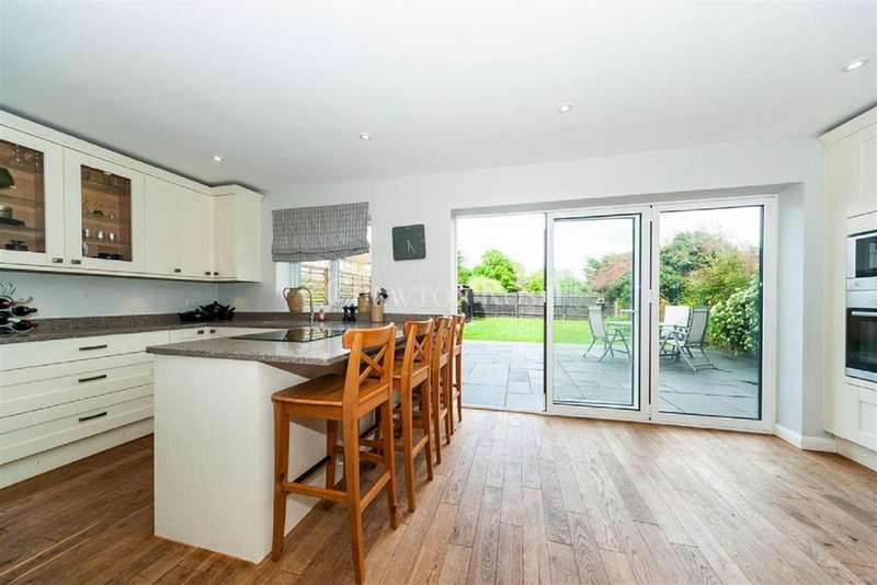 4 Bedrooms Semi Detached House for sale in Stoke Poges, Buckinghamshire