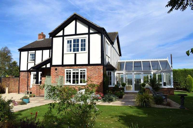 4 Bedrooms Detached House for sale in Main Street, Howsham, Market Rasen, Lincolnshire, LN7