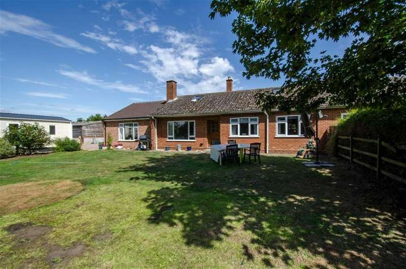 3 Bedrooms Bungalow for sale in Grove Bungalows, Kidderminster, DY10