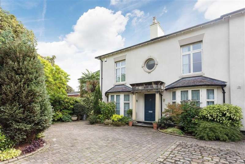 4 Bedrooms Semi Detached House for sale in Chester Road, Gresford, Wrexham, Gresford