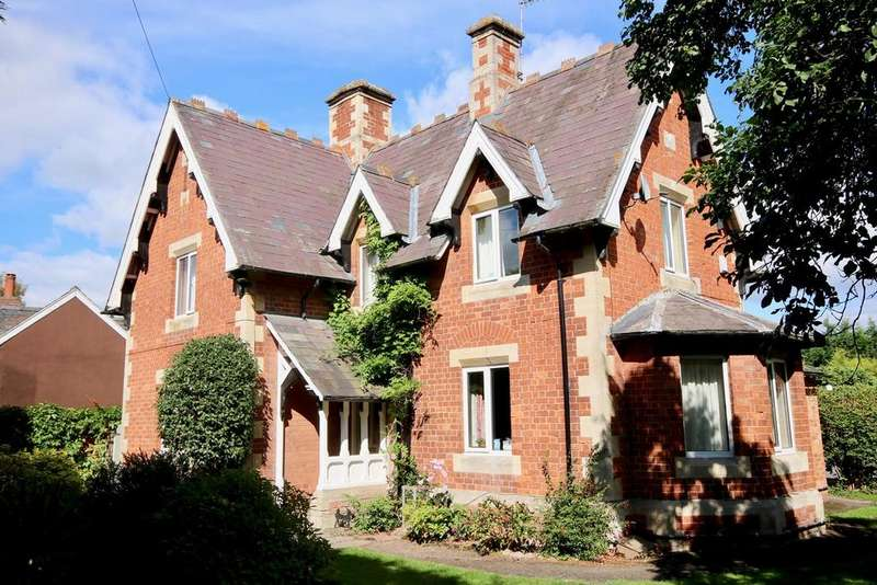 3 Bedrooms Detached House for sale in Wellington, Hereford, HR4
