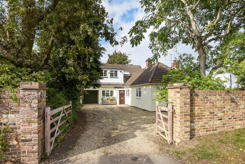 4 Bedrooms Chalet House for sale in Nine Mile Ride, Finchampstead, Berkshire RG40 3NS