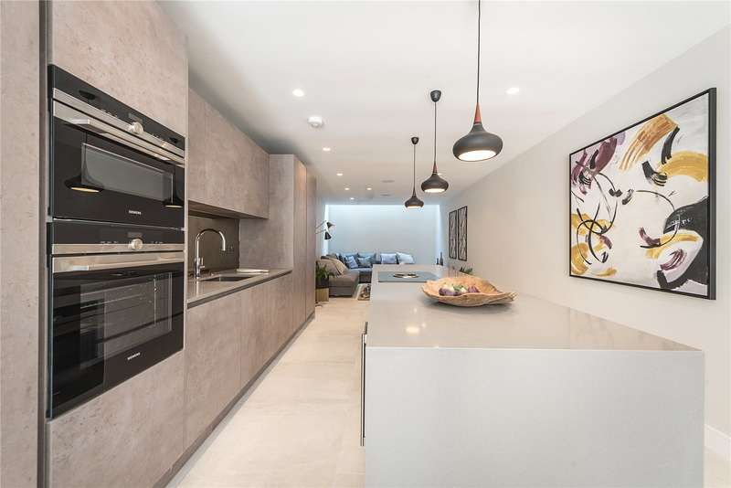 4 Bedrooms Mews House for sale in The Fortis Collection, 35 Eastern Road, London, N2