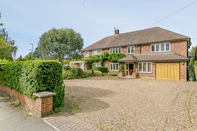 5 Bedrooms Semi Detached House for sale in Thames Ditton