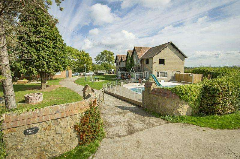5 Bedrooms Detached House for sale in THE COACH HOUSE, HOPWELL NOOK, OCKBROOK