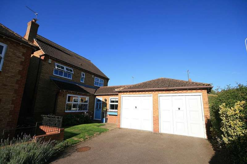 4 Bedrooms Detached House for sale in Wickery Dene, Wootton, Northampton, NN4
