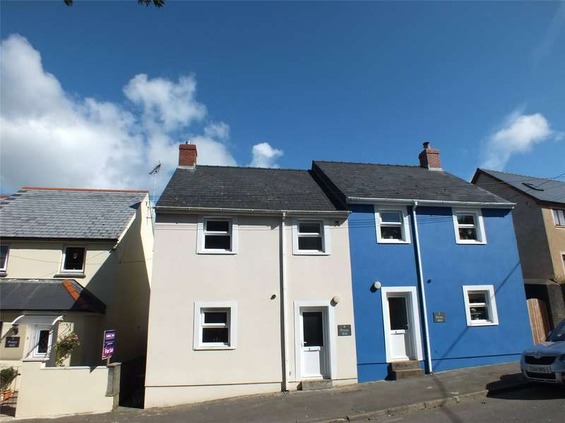 3 Bedrooms Terraced House for sale in Priory Hill, Milford Haven, Pembrokeshire