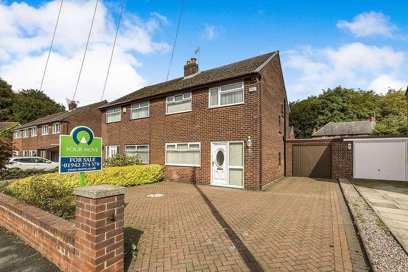 3 Bedrooms Semi Detached House for sale in Oakwood Avenue, Ashton-In-Makerfield, Wigan, WN4