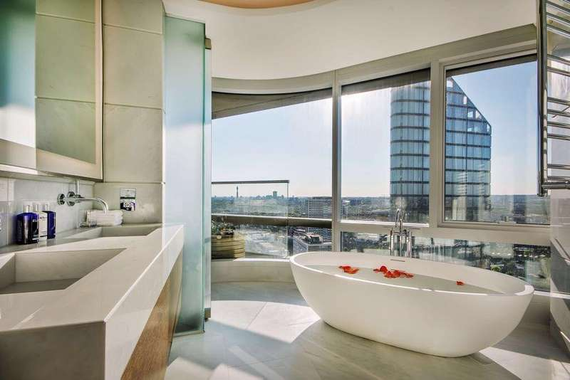 3 Bedrooms Apartment Flat for sale in Canaletto, City Road, London EC1
