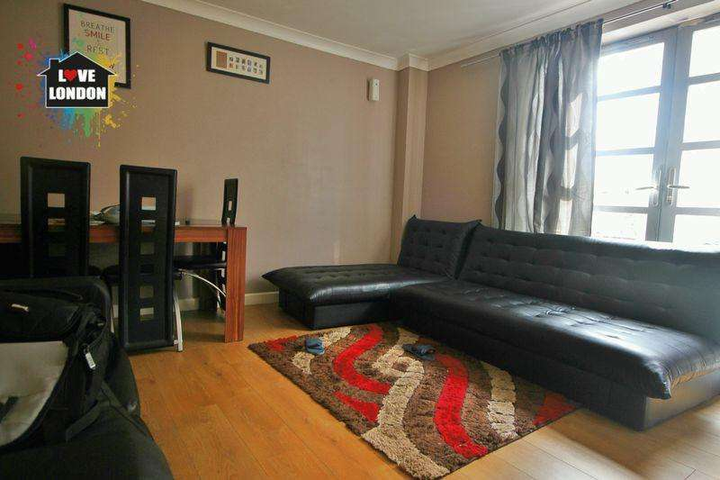 1 Bedroom Apartment Flat for sale in Charlesmere Gardens, Thamesmead, London, SE28