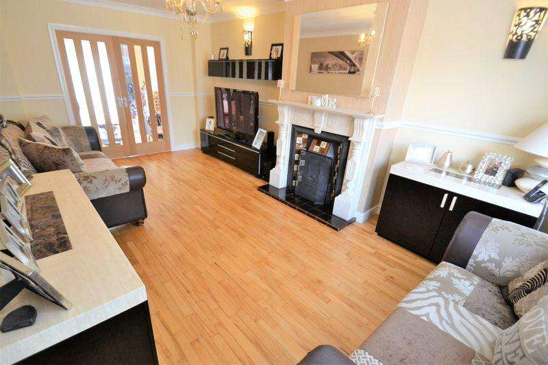 3 Bedrooms Semi Detached House for sale in Branksome Drive, M6, Salford