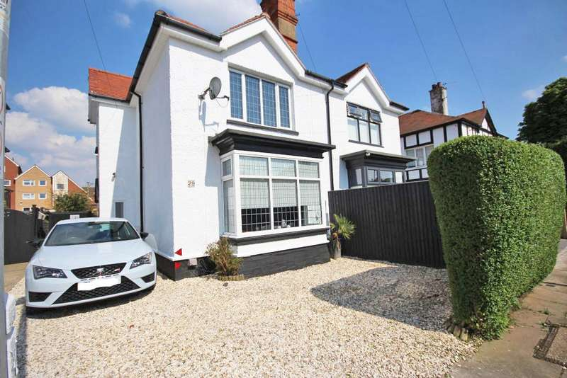 3 Bedrooms Semi Detached House for sale in SEACROFT ROAD, CLEETHORPES