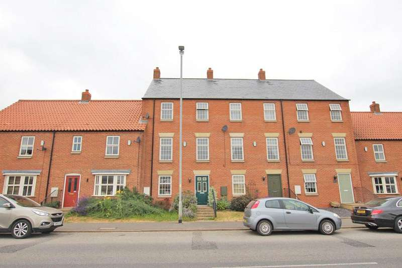 3 Bedrooms Terraced House for sale in NEWBRIDGE HILL, LOUTH