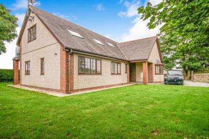 4 Bedrooms Detached House for sale in Bwthyn, Caer Glaw, Holyhead Road, Gwalchmai, LL65