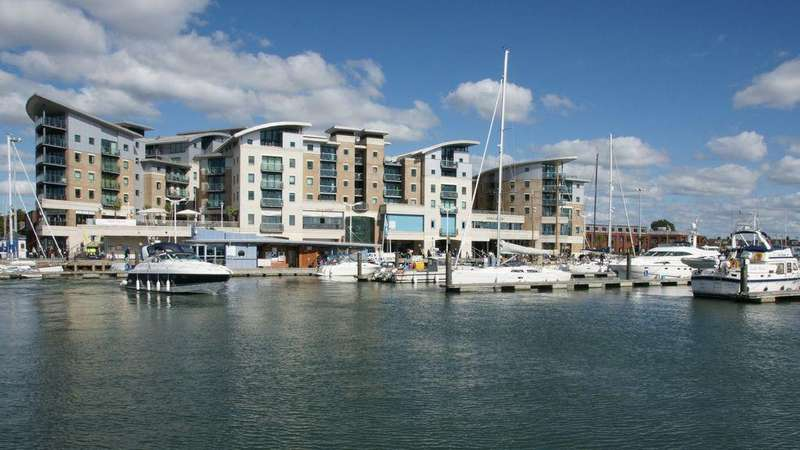 4 Bedrooms Property for sale in Dolphin Quays, The Quay, Poole Harbour