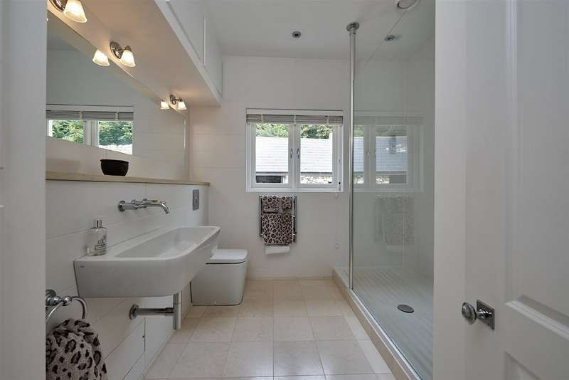 4 Bedrooms Property for sale in Bembridge, Isle Of Wight