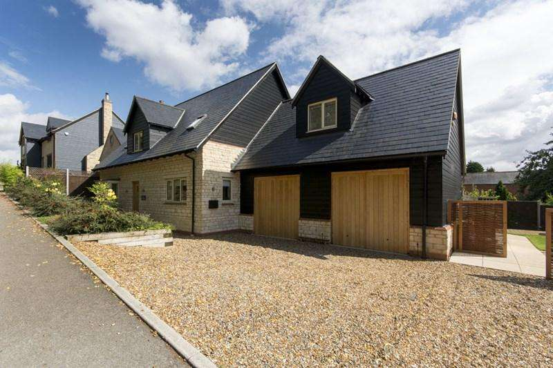 4 Bedrooms Village House for sale in Brigstock, NN14