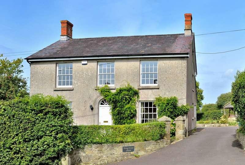 4 Bedrooms Detached House for sale in Long Cross Farmhouse, Long Cross, Shaftesbury, Dorset, SP7 8QP