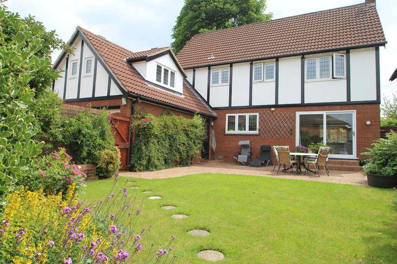 4 Bedrooms Detached House for sale in Cedar Park, Stoke Bishop, Bristol BS9 1BW