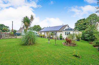 5 Bedrooms Bungalow for sale in St. Columb, Cornwall