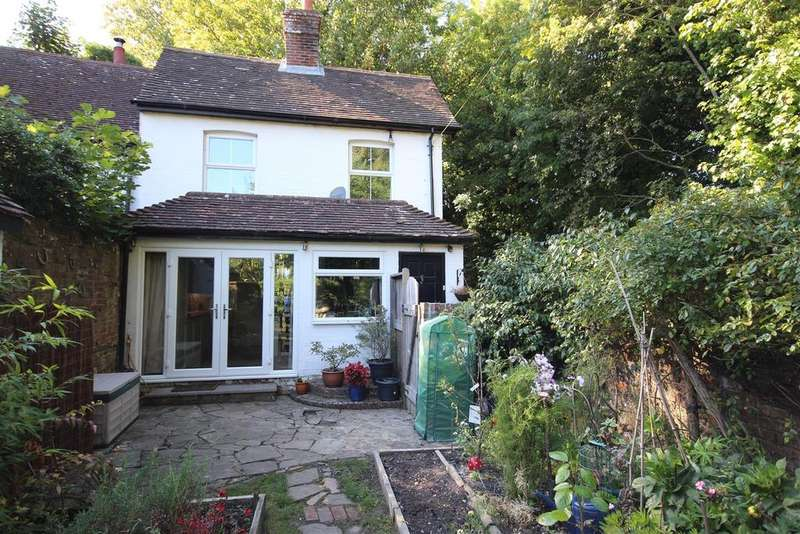 2 Bedrooms Cottage House for sale in The Street, Poynings