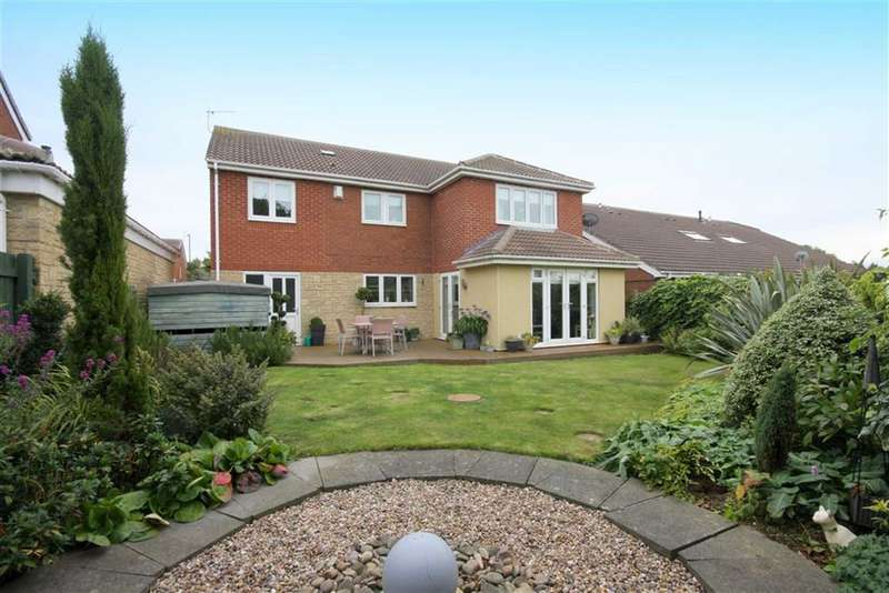 5 Bedrooms Detached House for sale in The Ridings, Whitley Bay, NE25