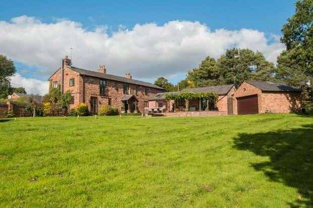 5 Bedrooms Detached House for sale in Sunbank Lane, Hale Barns