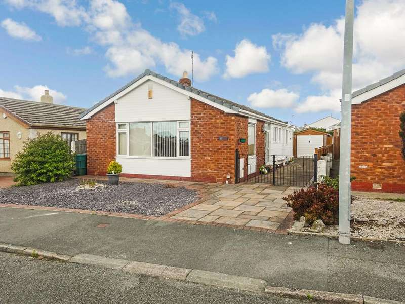 2 Bedrooms Detached Bungalow for sale in Lon Ffawydd, Abergele