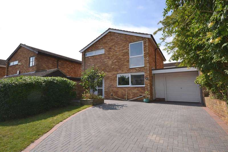 3 Bedrooms Link Detached House for sale in Galsworthy Drive, Caversham Park
