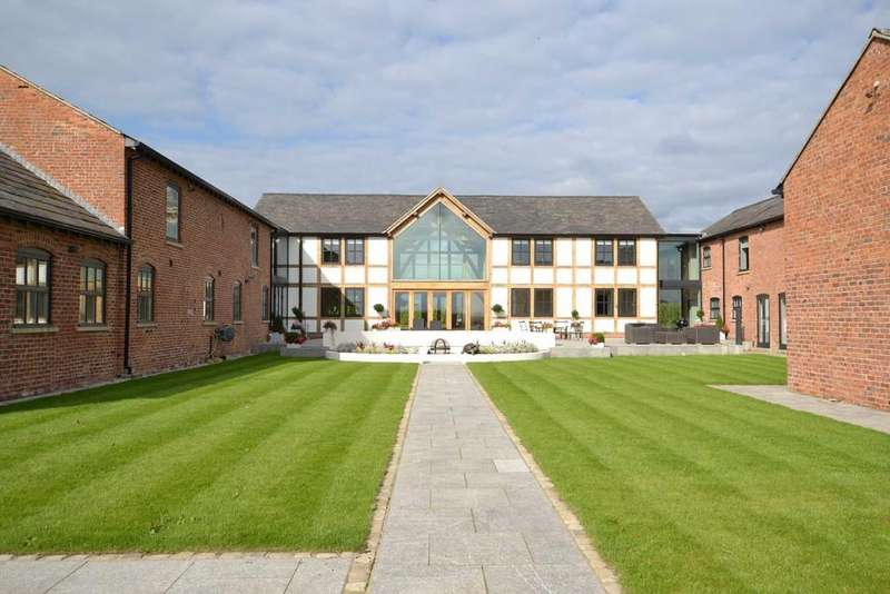 5 Bedrooms Detached House for sale in Gleavehouse Lane, Knutsford