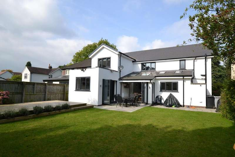 5 Bedrooms Detached House for sale in Chester Road, Poynton
