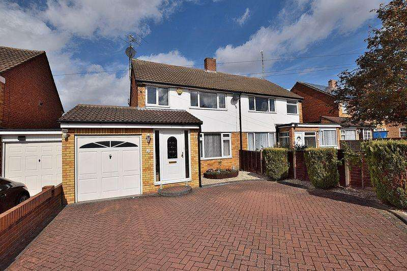 3 Bedrooms Semi Detached House for sale in Buckwood Avenue, East Dunstable