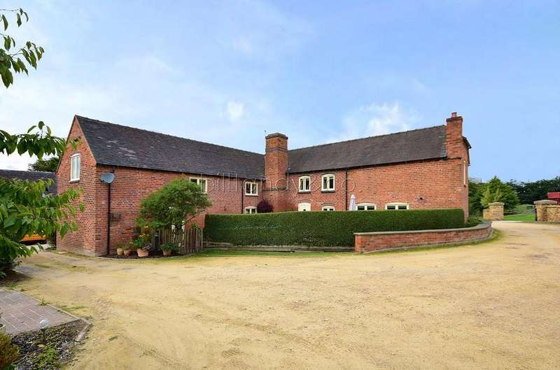 4 Bedrooms Barn Conversion Character Property for sale in 7 The Hollies , Burntwood, WS7