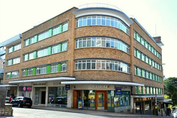 2 Bedrooms Flat for sale in Bristol and West House, Post Office Road, BOURNEMOUTH