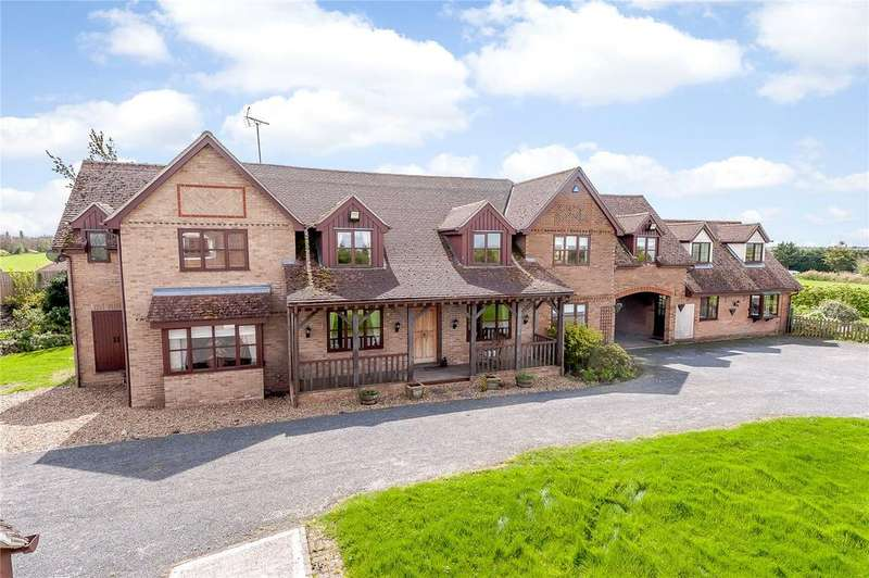 5 Bedrooms Detached House for sale in Steeple Road, Latchingdon, Chelmsford