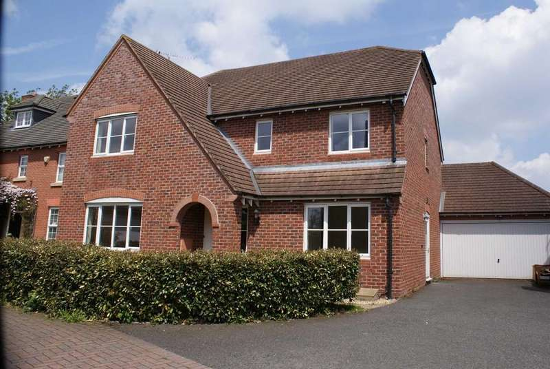 5 Bedrooms Detached House for sale in Teviot Gardens, Codsall