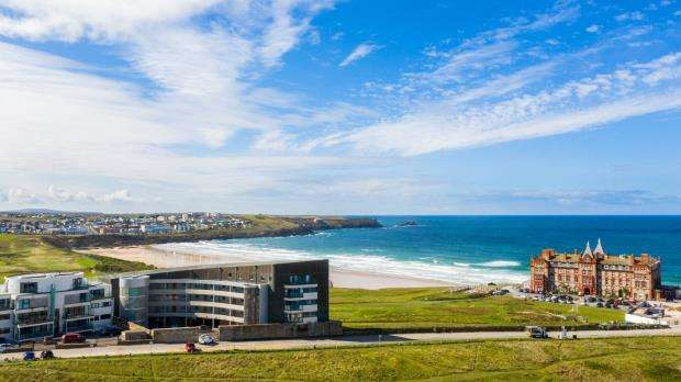 3 Bedrooms Apartment Flat for sale in Fistral Blue, Headland Road, Newquay, Cornwall