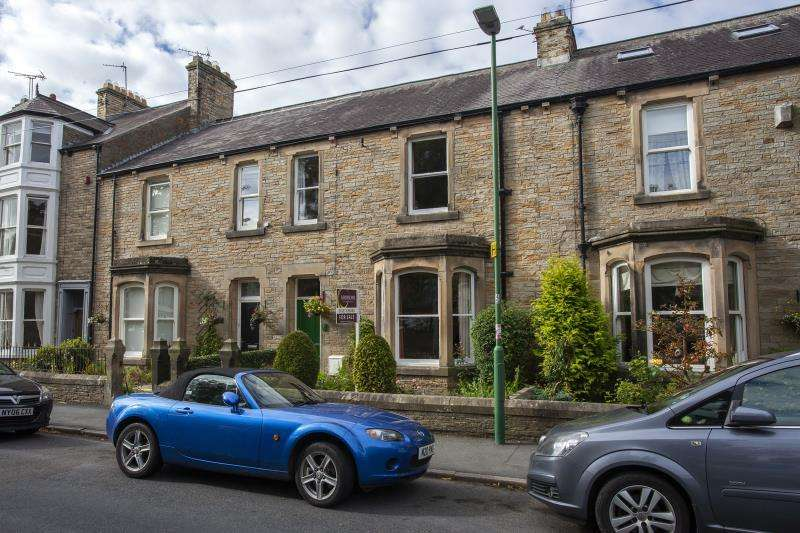 4 Bedrooms Terraced House for sale in John Street, Barnard Castle , County Durham