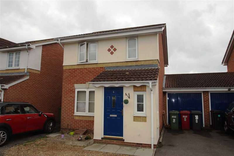 3 Bedrooms Detached House for sale in Nicholas Gardens, Cippenham