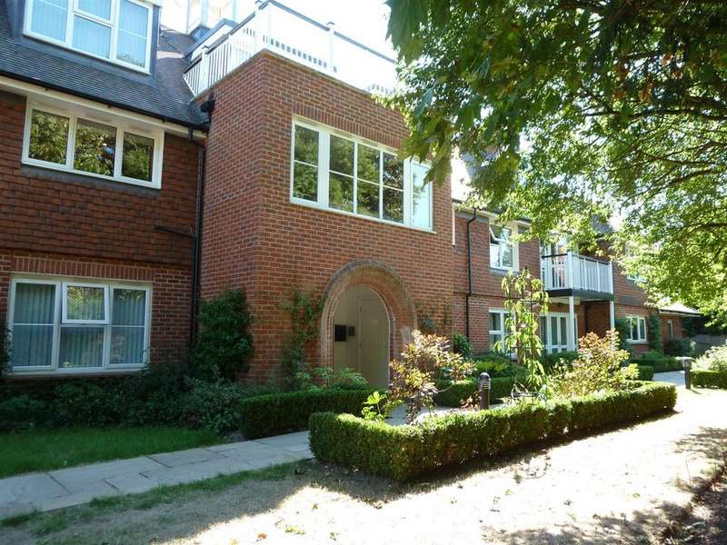 2 Bedrooms Retirement Property for sale in Lyefield Court, Emmer Green, Reading