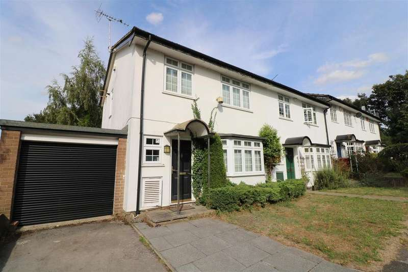 3 Bedrooms House for sale in Wood Green Close, Reading
