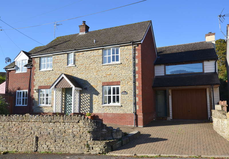 4 Bedrooms Detached House for sale in Stalbridge, Dorset, DT10